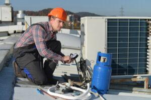 commercial-HVAC-unit-refrigerant-recharge